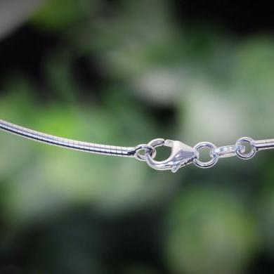 18ct White Gold Omega Necklet