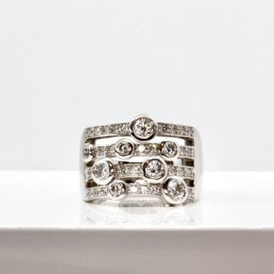 18ct White Gold 4 Row Diamond Ring